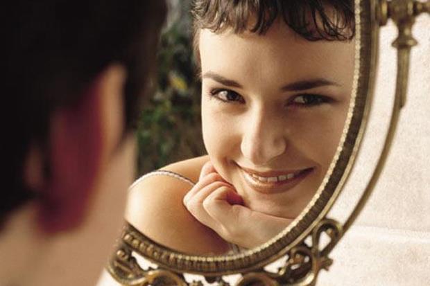 Resultado de imagem para espelho mulher